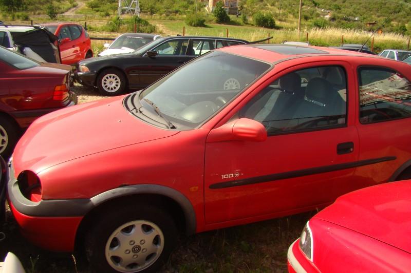 Dezmembrez Opel Corsa-A - Poza 1