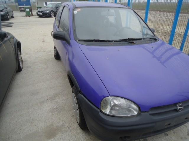 Dezmembrez Opel Corsa-B - Poza 4
