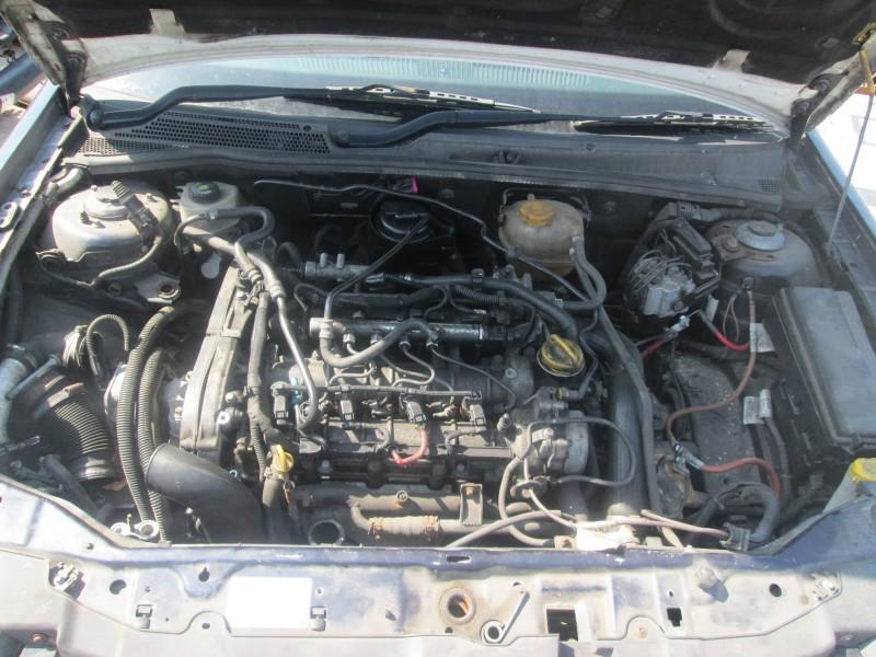 Dezmembrez Opel Signum - Poza 2