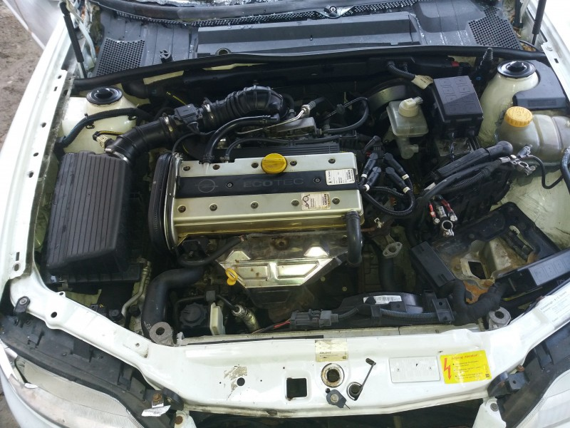 Dezmembrez Opel Vectra-B - Poza 2