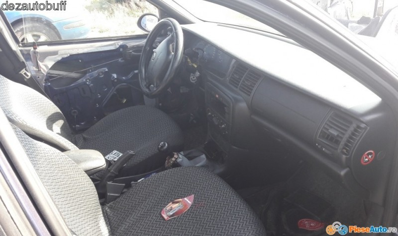Dezmembrez Opel Vectra-B - Poza 3