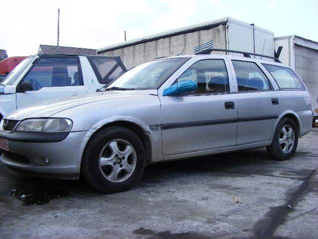 Dezmembrez Opel Vectra-B 1998 Benzina Berlina - 13 Noiembrie 2012 - Poza 2