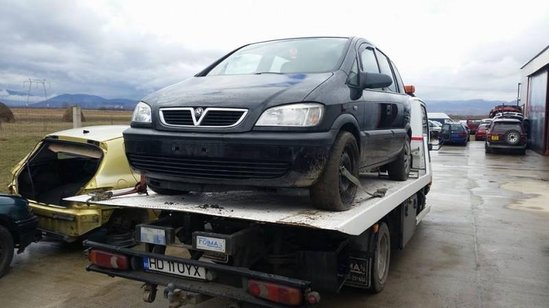 Dezmembrez Opel Zafira - Poza 3