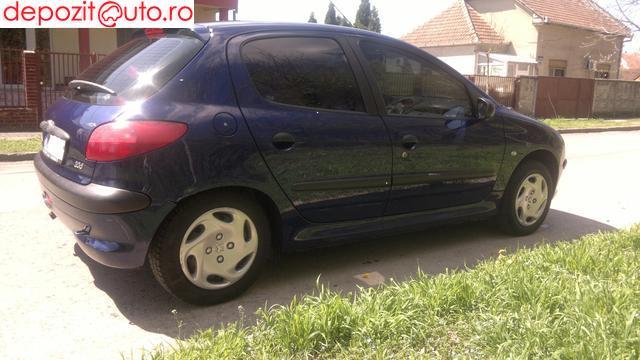 Dezmembrez Peugeot 206 2000 Benzina Hatchback - 29 Mai 2013 - Poza 1