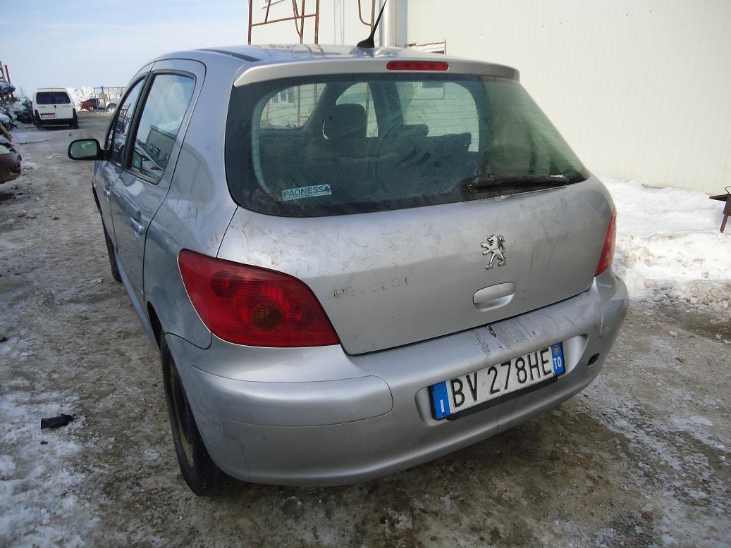 Dezmembrez Peugeot 307 2006 Diesel Coupe - 18 Octombrie 2011 - Poza 1