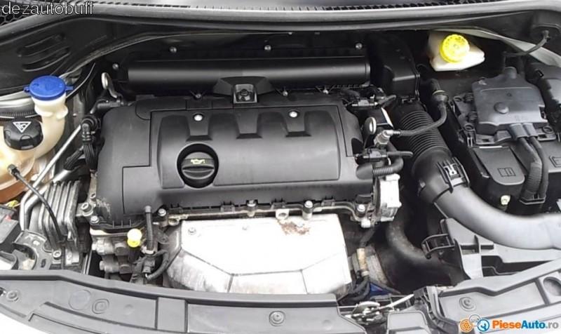 Dezmembrez Peugeot 308 - Poza 2