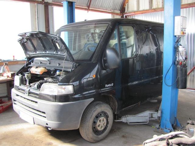 Dezmembrez Peugeot Boxer 1998 Diesel VAN - 18 Martie 2012 - Poza 3