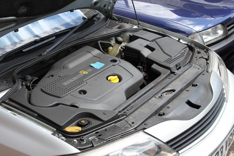 Dezmembrez Renault Laguna 2 din anul 2003, motor, cutie, orice piesa, accesorii, elemente caroserie, etc Renault Laguna-II - 05 Mai 2011 - Poza 2