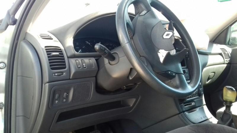 Dezmembrez Renault Laguna-II - Poza 3