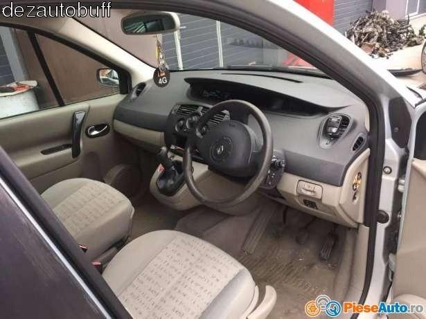 Dezmembrez Renault Scenic - Poza 1