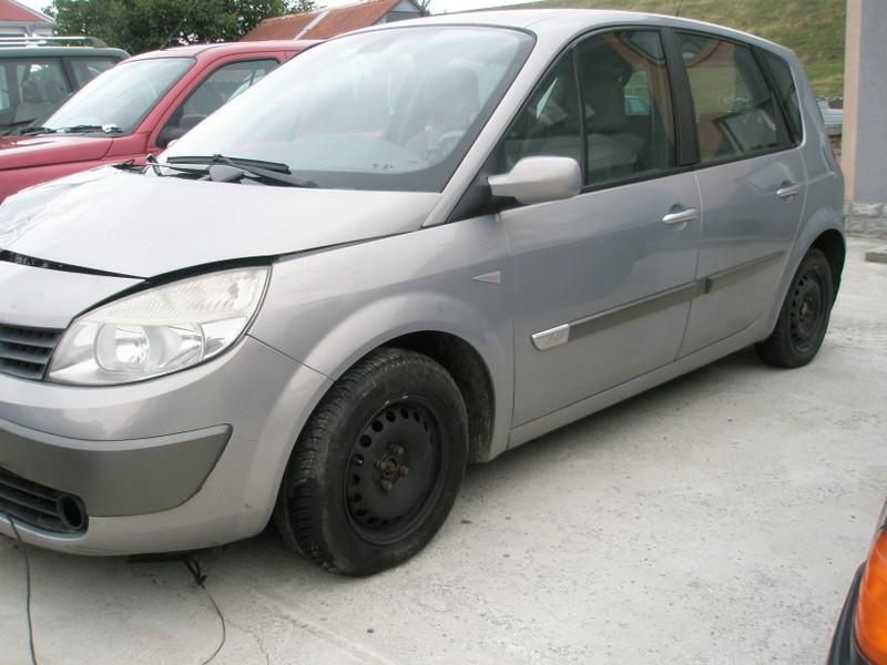 Dezmembrez Renault Scenic - Poza 4