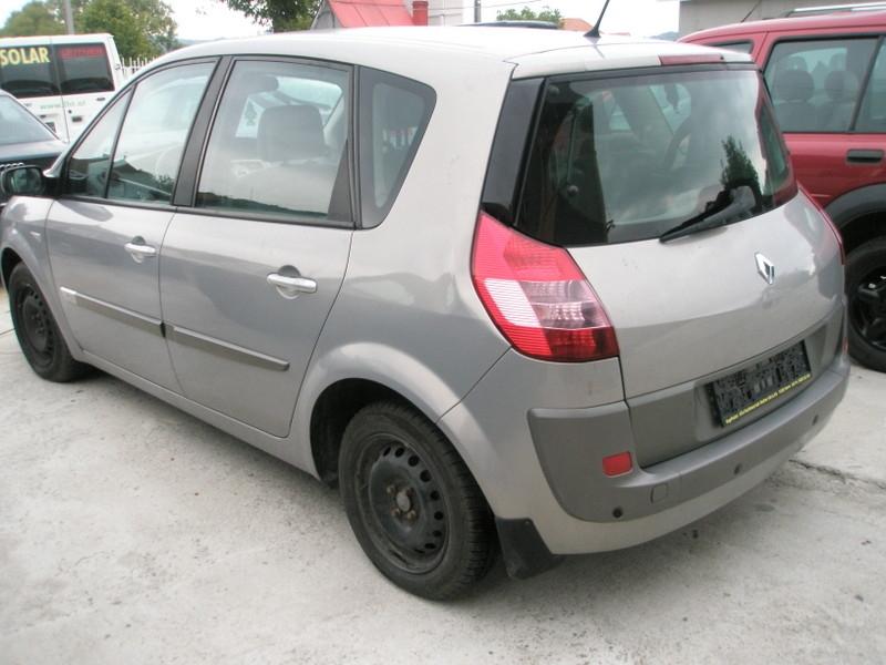 Dezmembrez Renault Scenic - Poza 2