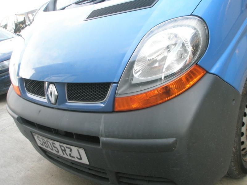 Dezmembrez Renault Trafic - Poza 4