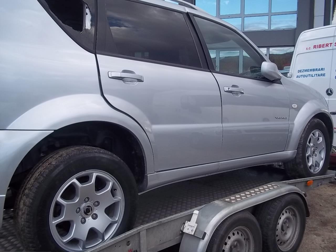 Dezmembrez Ssang-Yong Rexton 2003 Diesel SUV - 04 Ianuarie 2013 - Poza 3