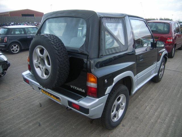 Dezmembrez Suzuki Vitara 2000 Benzina Berlina - 17 Octombrie 2011 - Poza 1