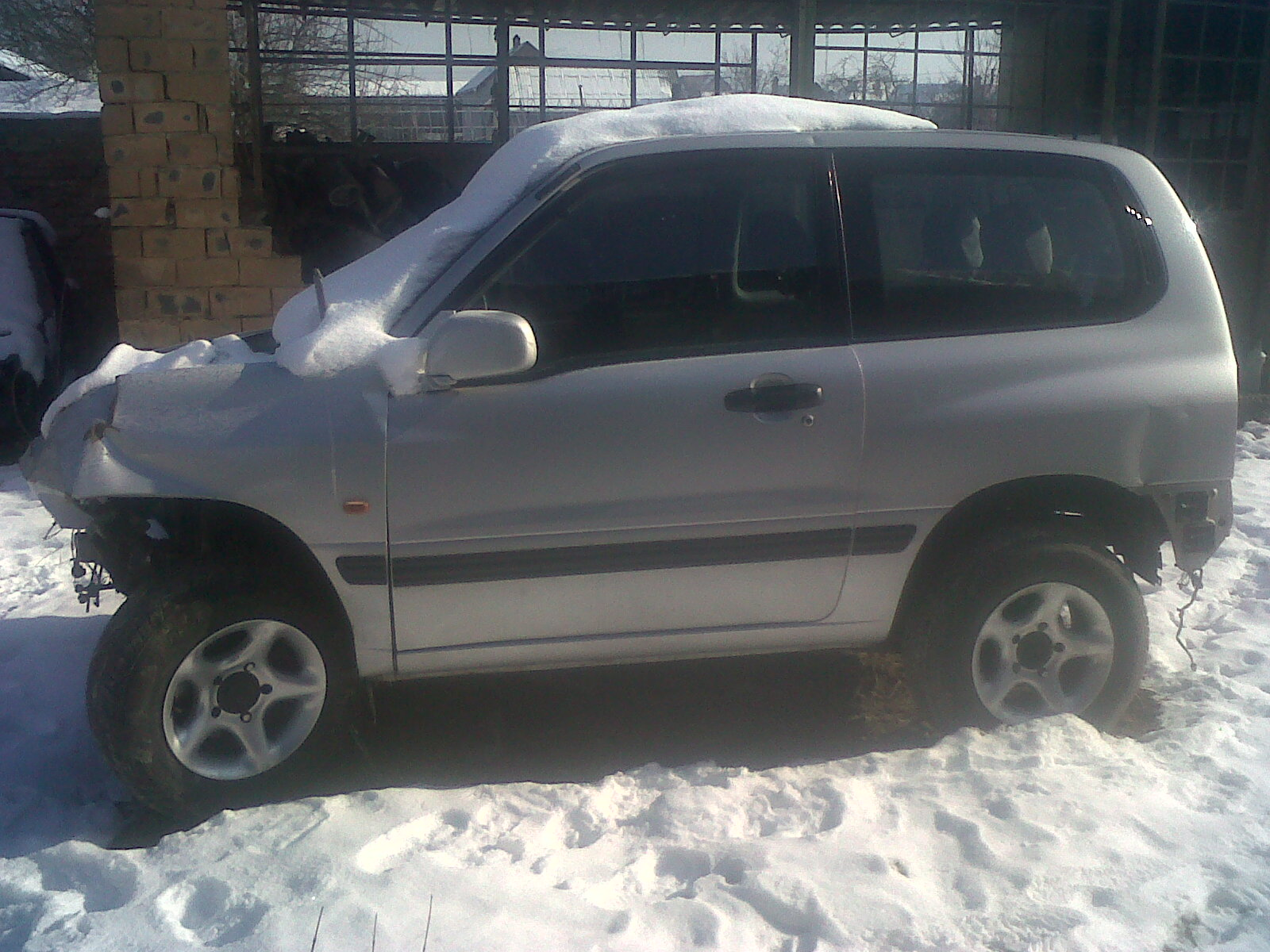 Dezmembrez Suzuki Vitara 2011 Benzina SUV - 31 Ianuarie 2011 - Poza 1