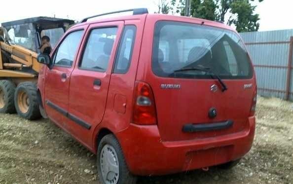 Dezmembrez Suzuki Wagon - Poza 2