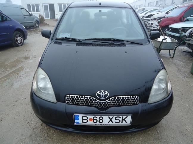Dezmembrez toyota yaris 2000 benzina hatchback 02 iulie for Interieur toyota yaris 2000