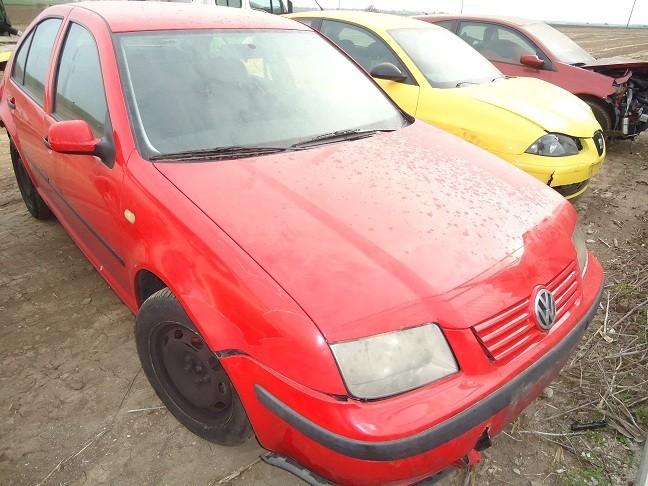 Dezmembrez Volkswagen Bora - Poza 1