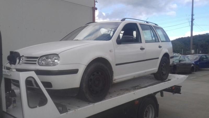 Dezmembrez Volkswagen Golf - Poza 1