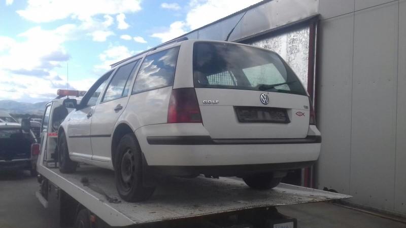 Dezmembrez Volkswagen Golf - Poza 3