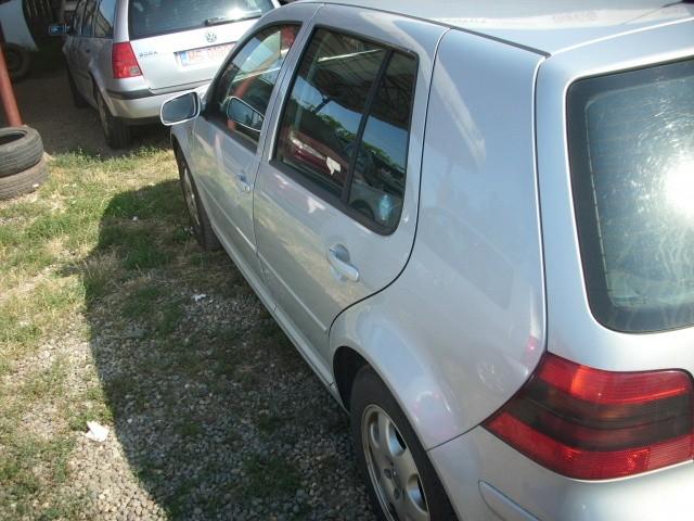 Dezmembrez Volkswagen Golf-IV - Poza 2