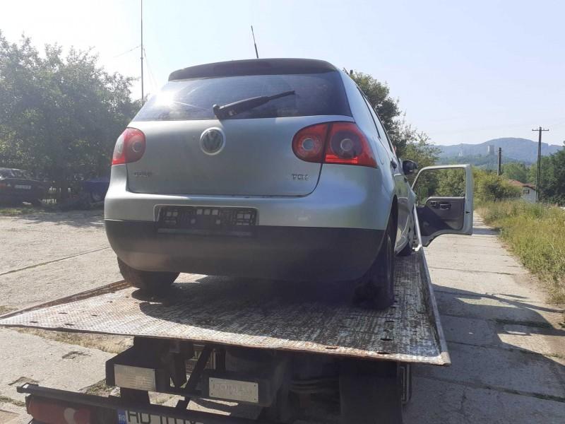 Dezmembrez Volkswagen Golf-V - Poza 1