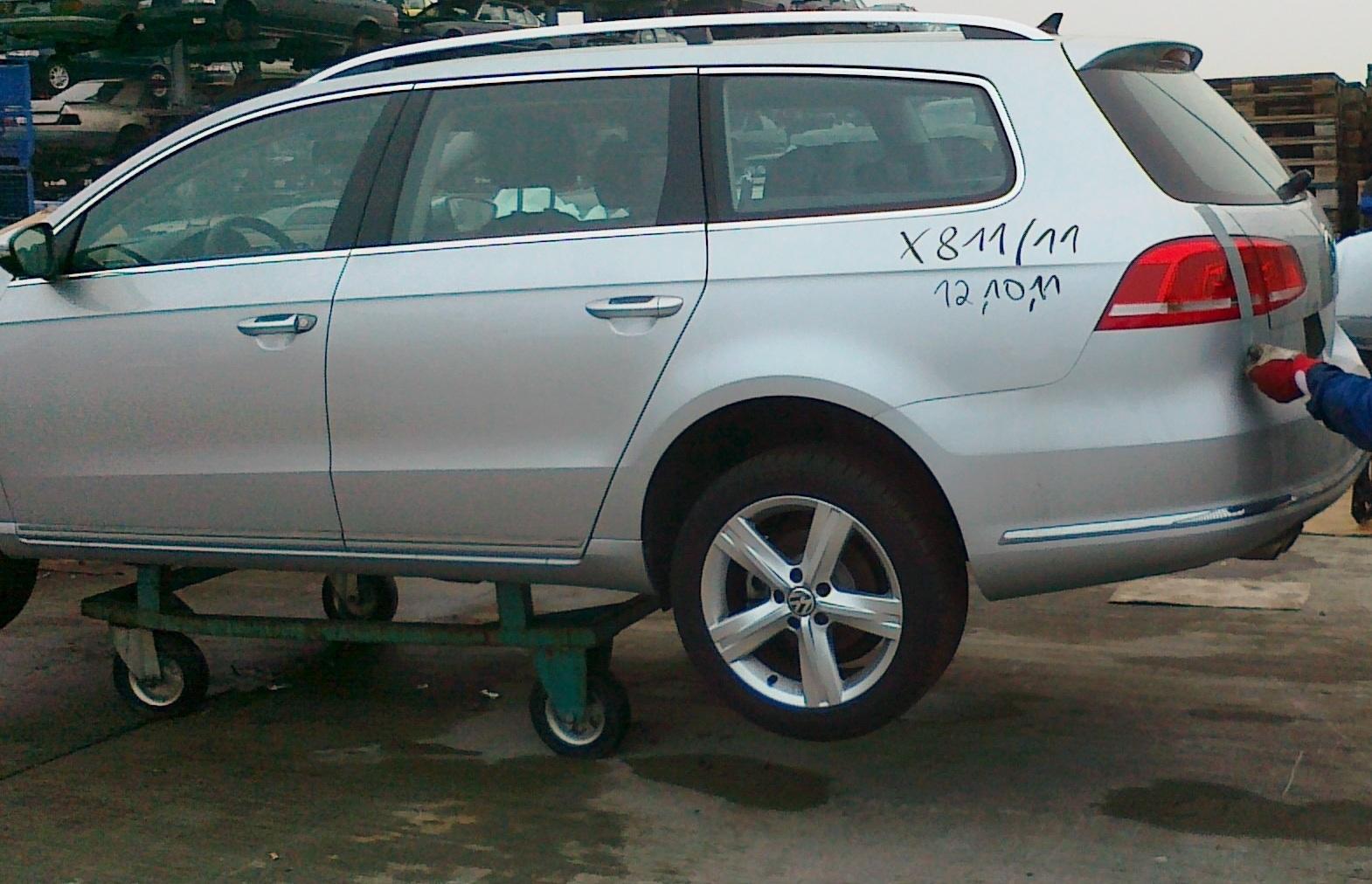 Dezmembrez Volkswagen Passat 2011 Diesel Combi - 10 Ianuarie 2012 - Poza 1