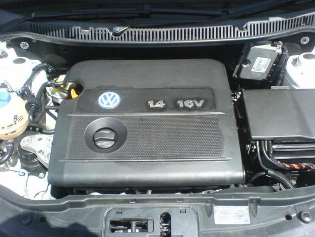 Dezmembrez Volkswagen Polo 2004 Benzina Hatchback - 27 August 2012 - Poza 2
