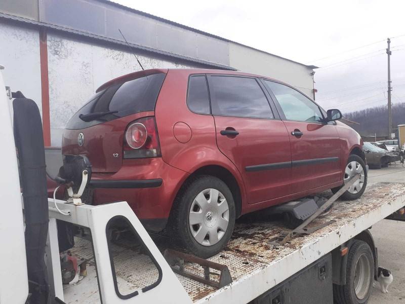Dezmembrez Volkswagen Polo - Poza 1