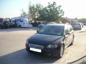 Dezmembrez Volvo V50 2003 Diesel Berlina - 16 Martie 2012 - Poza 3