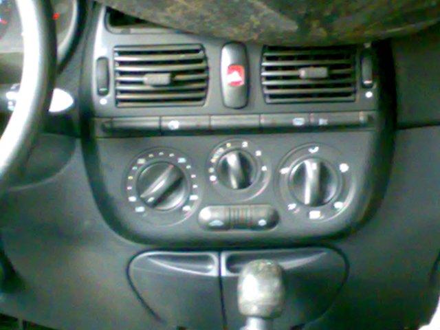 Fiat Brava avariat 2000 Benzina Hatchback - 28 Aprilie 2011 - Poza 5