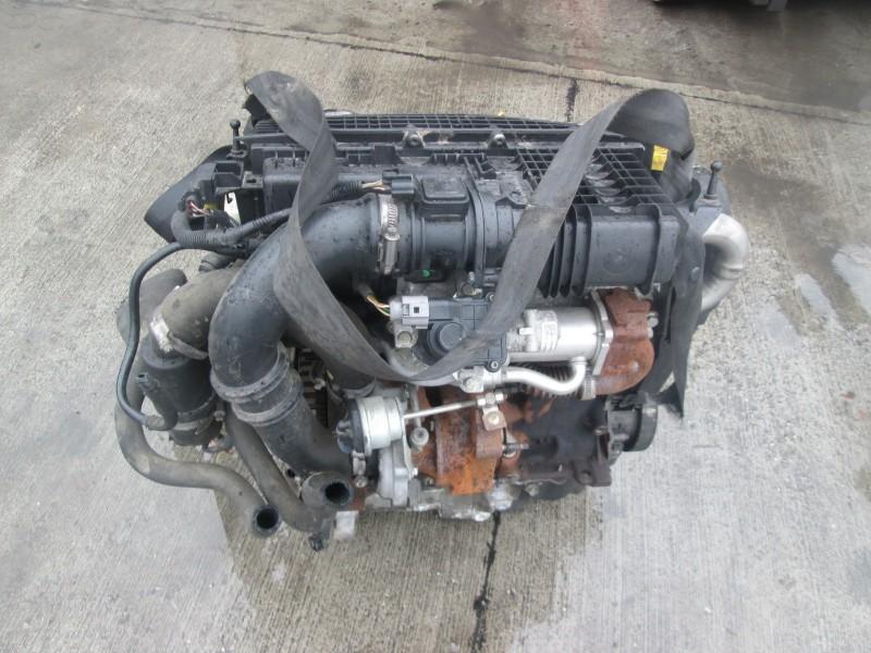 Motor cu anexe - Dacia Logan I din piese  dezmembrari auto - Poza 2