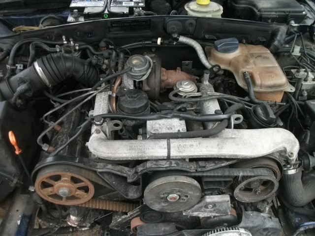 Motor fara anexe - Audi A4 din piese  dezmembrari auto - Poza 2