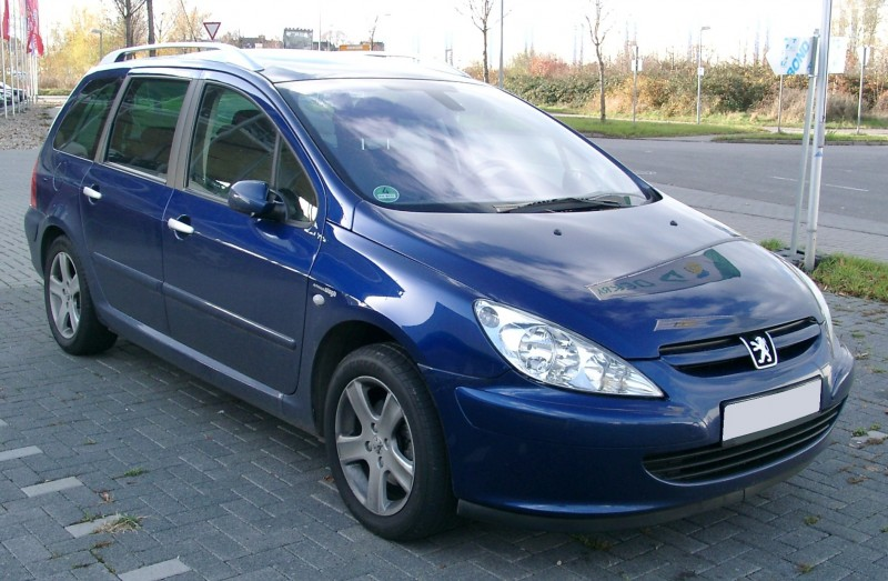 Motor fara anexe - Peugeot 307 din piese  dezmembrari auto - Poza 2