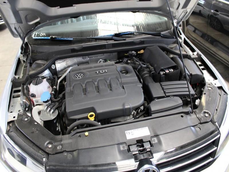 Motor fara anexe - Volkswagen Jetta din piese  dezmembrari auto - Poza 2