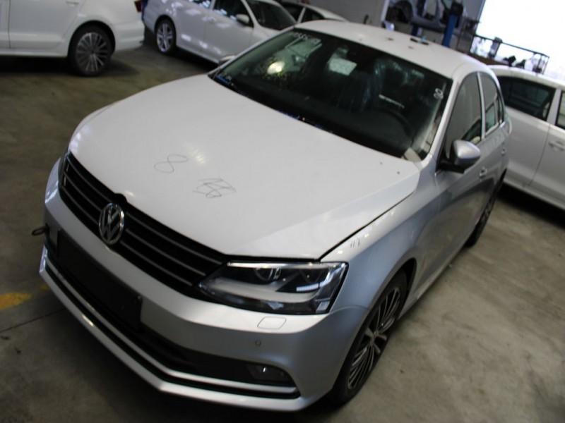 Motor fara anexe - Volkswagen Jetta din piese  dezmembrari auto - Poza 1
