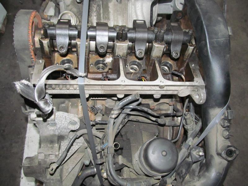 Motor fara anexe - Volkswagen Passat din piese  dezmembrari auto - Poza 2