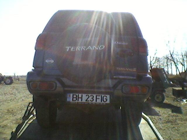 Nissan Terrano-II avariat 2001 Diesel Monovolum - 12 Aprilie 2011Bihor - Poza 2