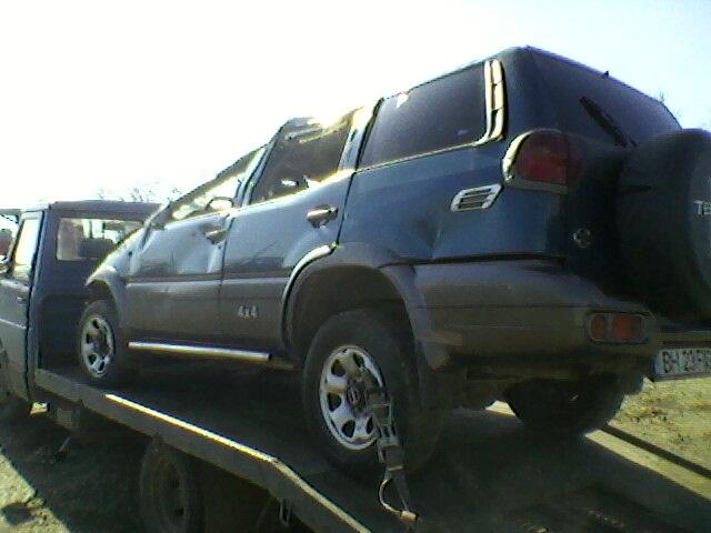 Nissan Terrano-II avariat 2001 Diesel Monovolum - 12 Aprilie 2011Bihor - Poza 1