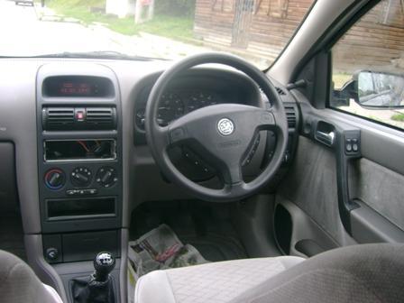 Opel Astra-G avariat 2000 Benzina Berlina - 12 Aprilie 2011 - Poza 1