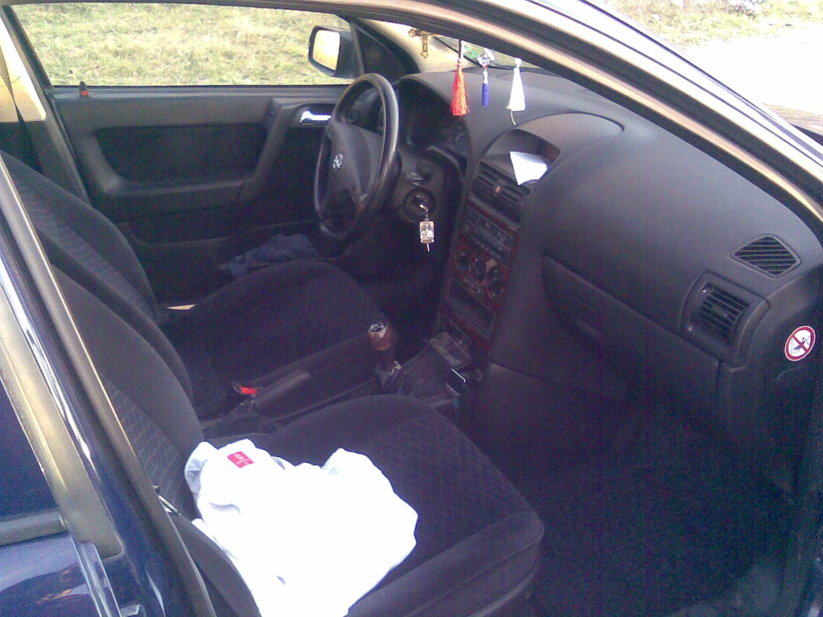 Opel Astra-G avariat 2000 Diesel Hatchback - 18 Februarie 2011 - Poza 1