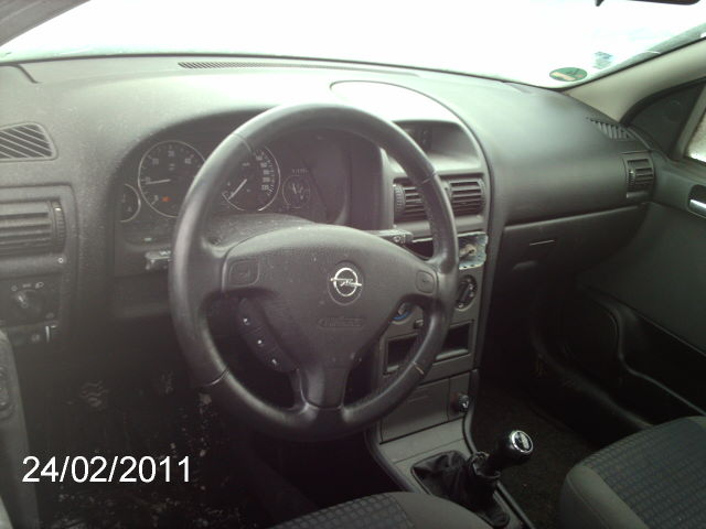 Opel Astra-G avariat 2004 Diesel Hatchback - 24 Februarie 2011 - Poza 2