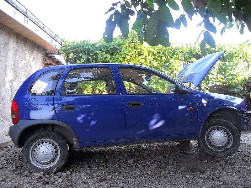 Opel Corsa-B avariat 1997 Benzina Hatchback - 31 Iulie 2011 - Poza 1