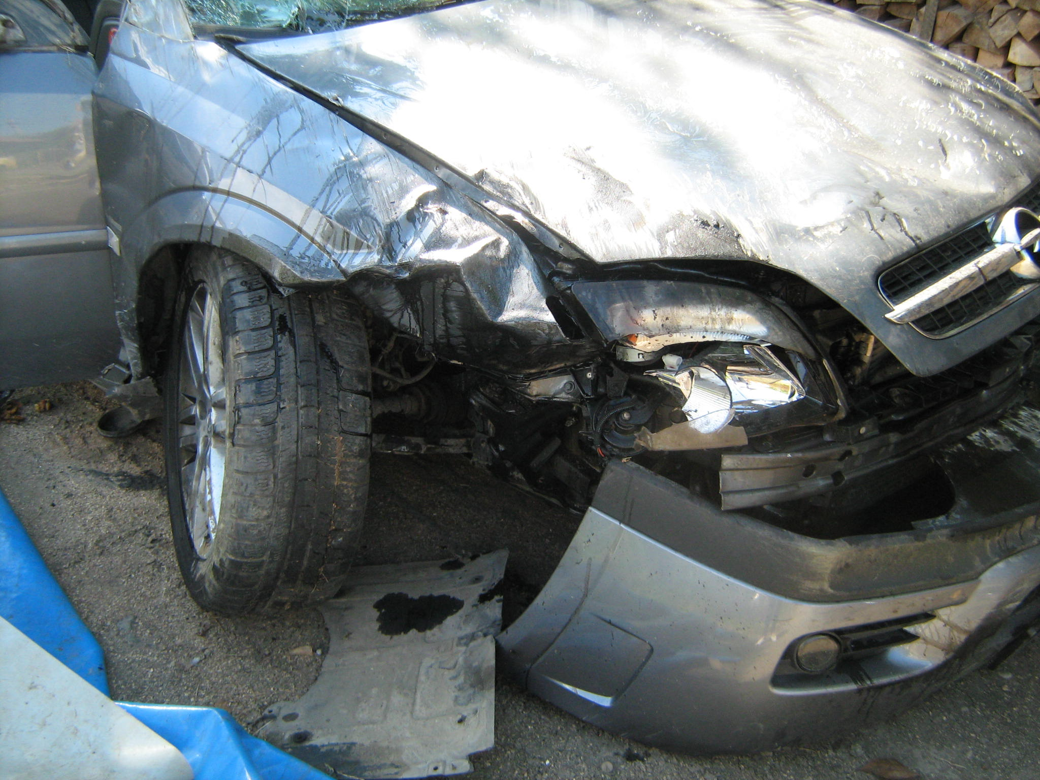 Opel Vectra avariat 2002 Diesel Hatchback - 30 Martie 2011 - Poza 1