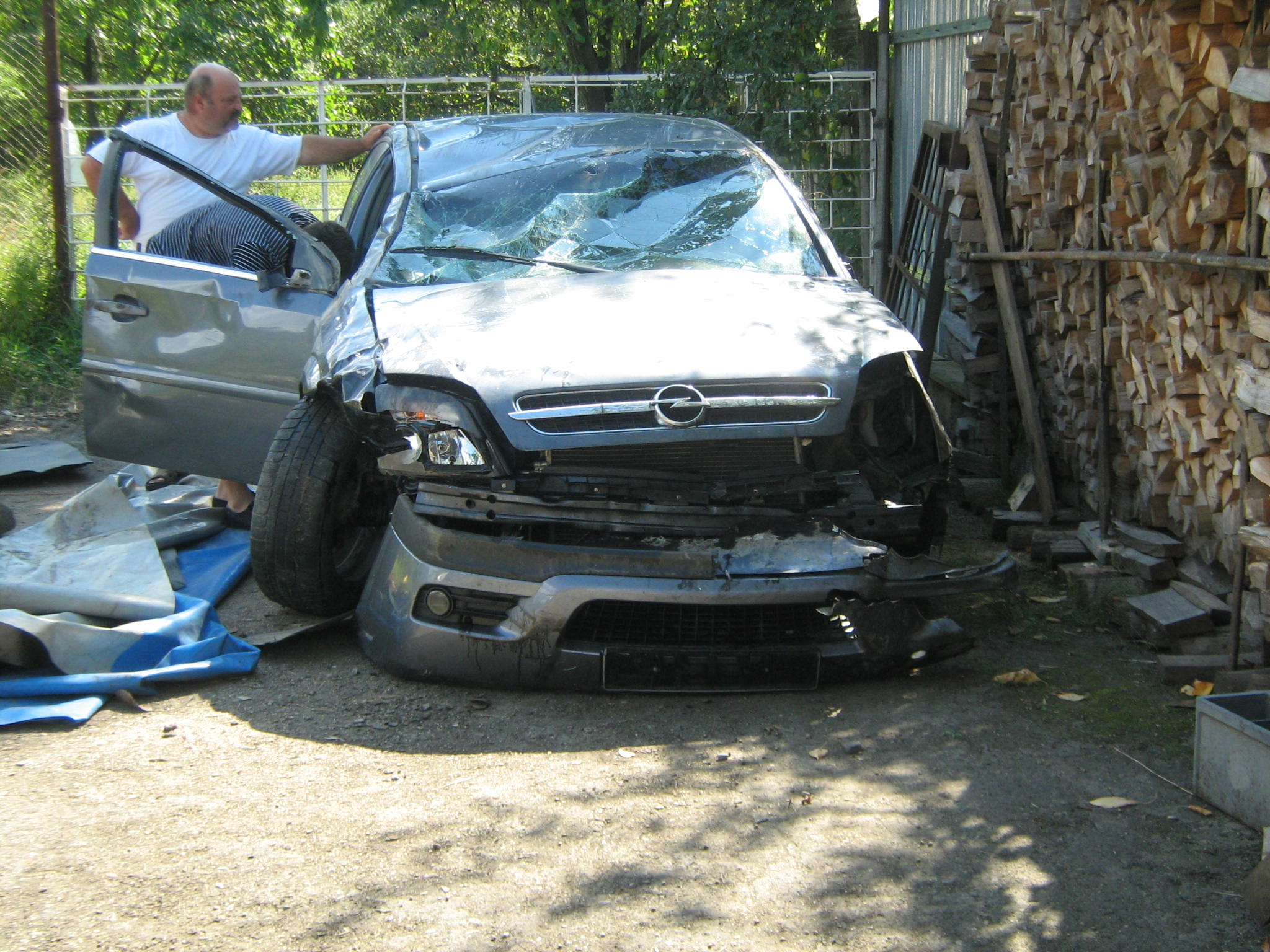 Opel Vectra avariat 2002 Diesel Hatchback - 30 Martie 2011 - Poza 5
