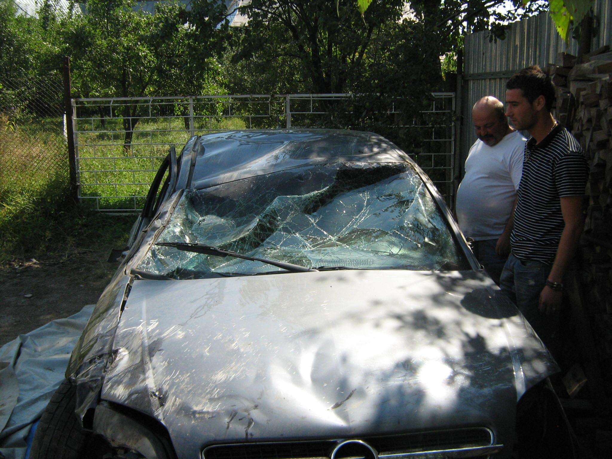 Opel Vectra avariat 2002 Diesel Hatchback - 30 Martie 2011 - Poza 4