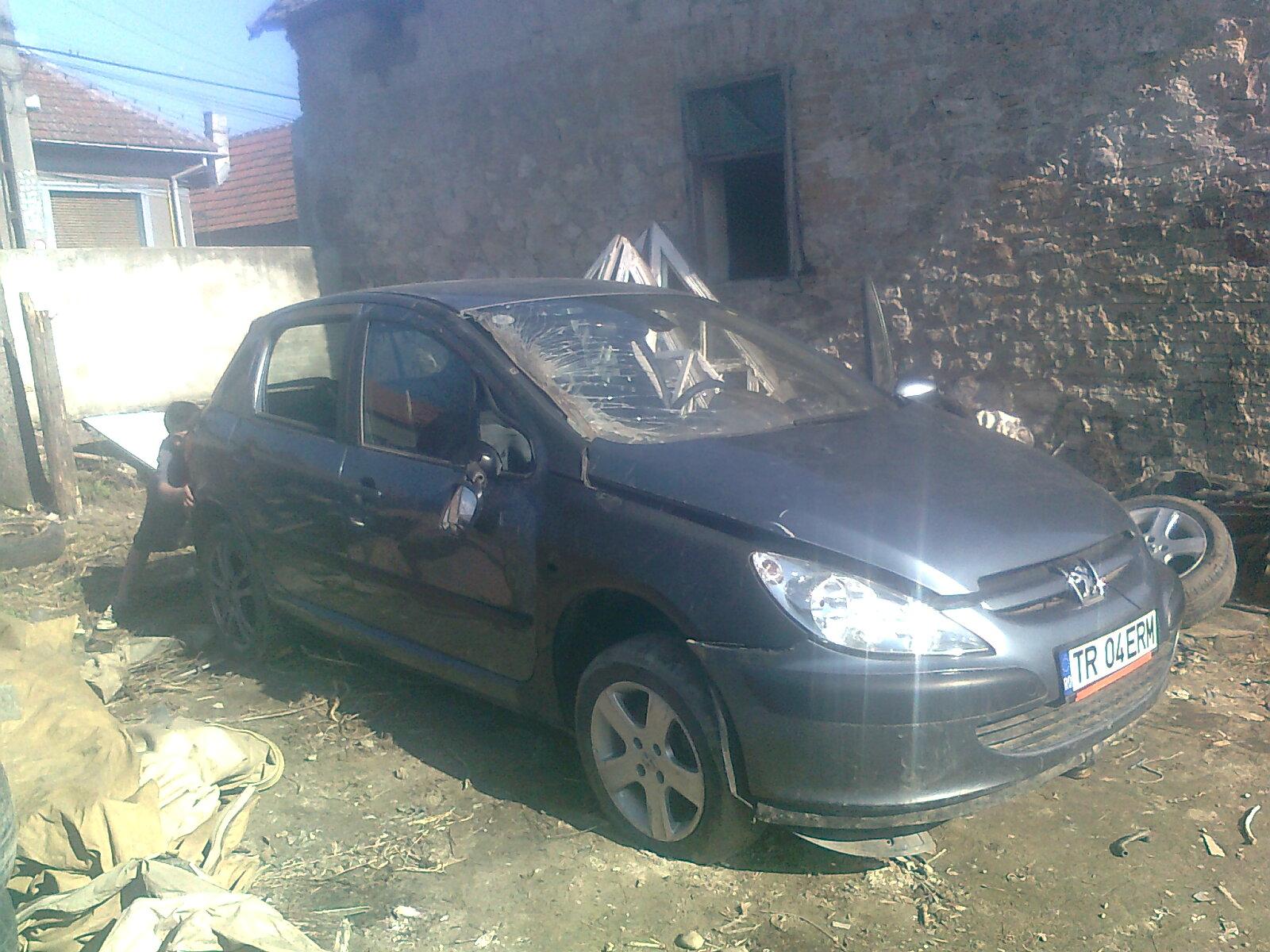 Peugeot 307 avariat 2006 Benzina Hatchback - 19 Iunie 2011 - Poza 2