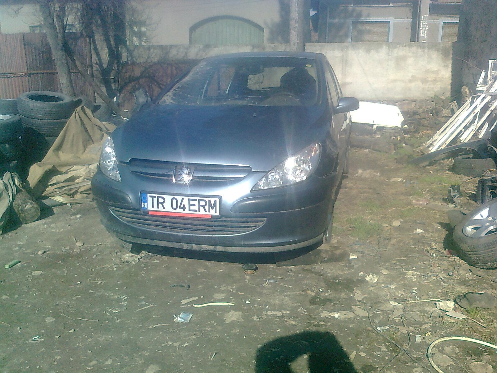 Peugeot 307 avariat 2006 Benzina Hatchback - 19 Iunie 2011 - Poza 4
