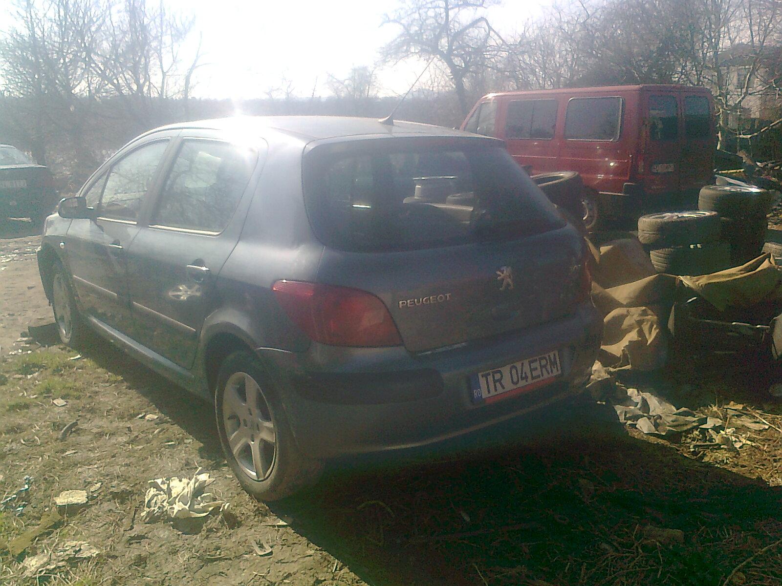 Peugeot 307 avariat 2006 Benzina Hatchback - 19 Iunie 2011 - Poza 3